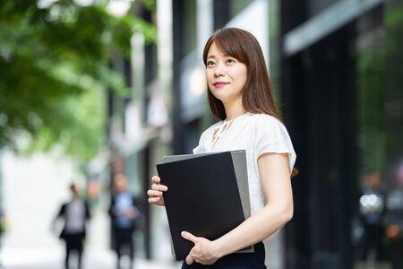 Businesswoman at work Standard-Bild - 134831763