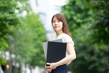Businesswoman at work Standard-Bild - 134831790