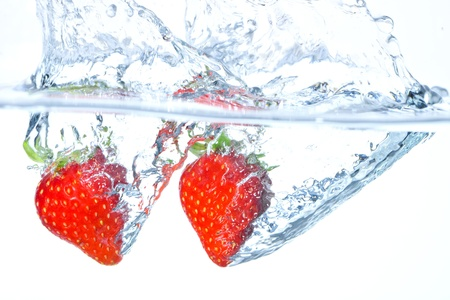 The strawberry which jumps into water