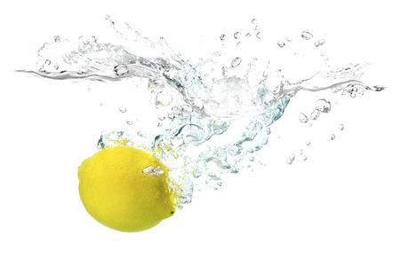 水に飛び込むレモン 写真素材