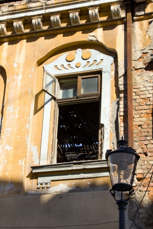 Old house facade in ruins Stock Photo - 16541248