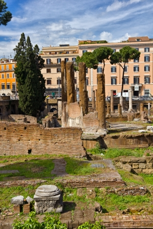 Rediscovering Rome ancient ruins in the middle of modern city