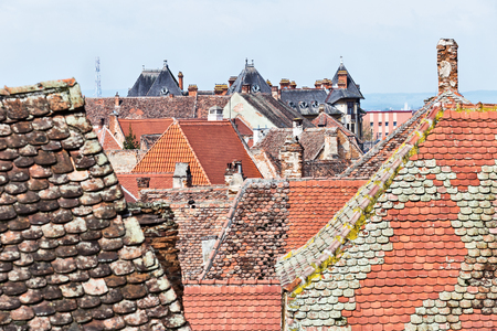 Historical old buildings roofs in Sibiu Romania 免版税图像 - 101172502