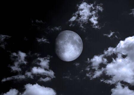 The moon in the night sky Stok Fotoğraf - 133487547