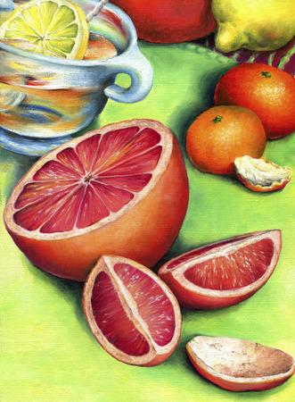 Grapefruit, lemon tea and two mandarin. Tea with lemon in a glass bowl surrounded by citrus fruits. Banque d'images