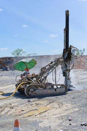conveyors: Drilling machine for blasting