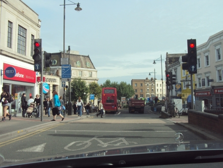 hustle: Trambusto cittadino in una strada di Londra