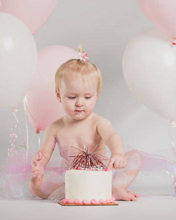 one year old: One year old girl birthday portraits with smash cake