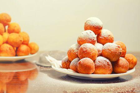 Doughnuts. Homemade cakes made from curd balls. Sweet doughnuts Archivio Fotografico