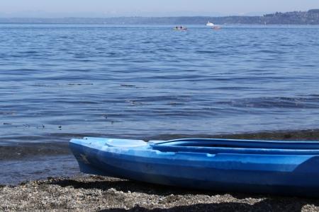 ビーチでカヤック