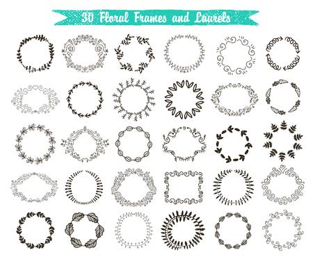 Vector set van 30 met de hand getekende frames en lauweren. Bloemen, wijnoogst, werveling kransen geïsoleerd.