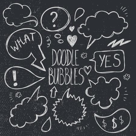 socializing: Vector conjunto de dibujado a mano, las burbujas del discurso del doodle. Dibujos animados, c�mics, ilustraci�n hablando socializaci�n Vectores