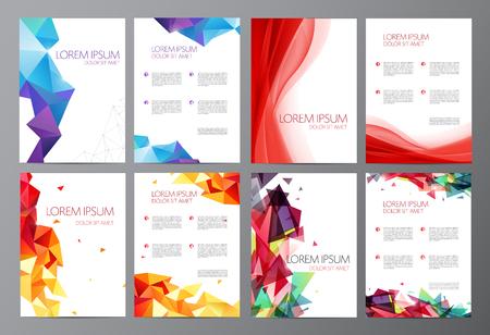 Vector set Abstracte moderne flyer brochure ontwerp sjablonen met geometrische driehoekige achtergrond en rode golvende transparante achtergrond