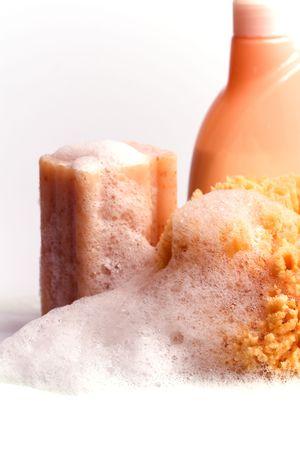 gel douche: savon, �ponge naturelle et gel douche closeup Banque d'images
