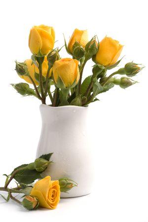gele bloemen boeket op witte achtergrond