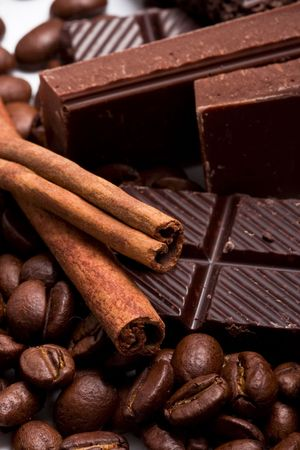 arrangement of chocolate, coffee and cinnamon sticks Stock Photo - 6070777