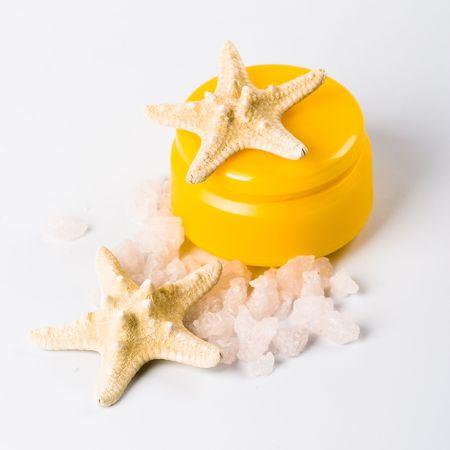 seastar: facial creme, seasalt and seastar closeup