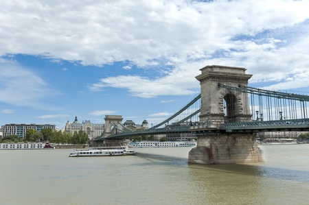 szechenyi: Puente de cadenas Szechenyi, Budapest, Hungr�a