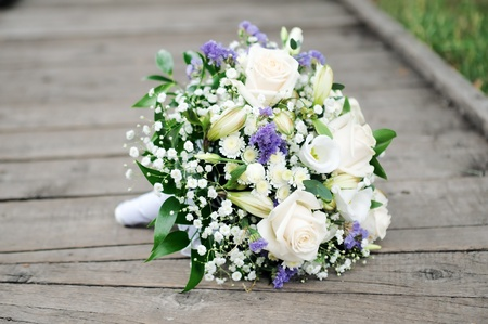 Beautiful wedding flowers bouquet 版權商用圖片 - 10616659