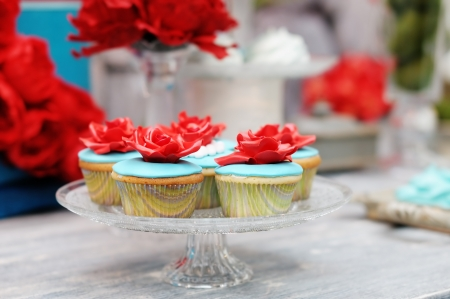 Delicious red and blue wedding cupcakes Stock Photo - 18937346