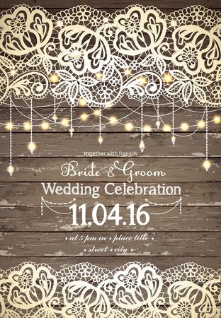 hochzeit: Hochzeitseinladungskarte. Schöne Spitze mit dekorativen Leuchten für die Partei. Vintage-Holz-Hintergrund. Inspiration Karte für Hochzeit, Datum, Geburtstag, Tee oder Gartenparty