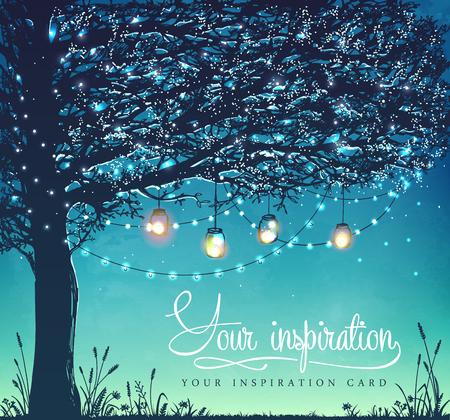Colgando las luces navideñas de decoración para un partido de vuelta patio, boda, fecha, cumpleaños. tarjeta de inspiración. Invitación de la fiesta de jardín Foto de archivo - 58943902