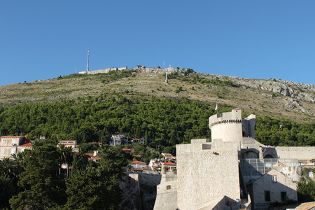 srd: Dubrovnik, view of the Srd hill with cable car station