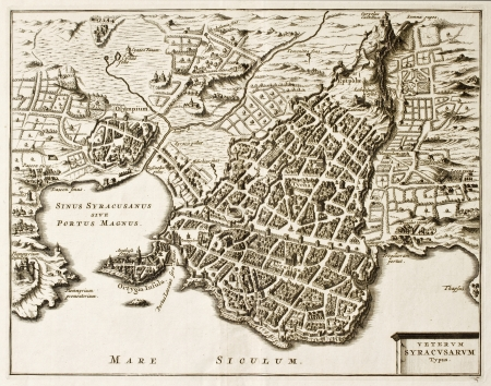 Antique map of Syracuse, Sicily. The original was created in the beginning of 17th c. by Philip Cluverius, celebrated polish geographer Stock Photo - 14986536