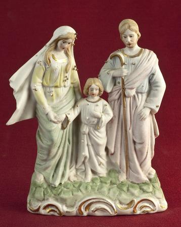 heilige familie: Keramik-Skulptur, die der Heiligen Familie
