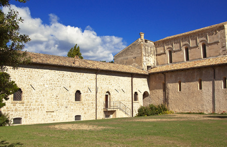 abruzzo: San Clemente abbey courtyard, Abruzzo region, Italy Stock Photo