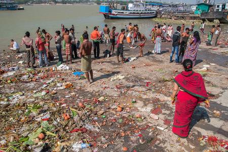 god's cow: CALCUTTA, INDIA - CIRCA NOVEMBER 2013: ghats in Calcutta circa November 2013 in Calcutta. Editorial