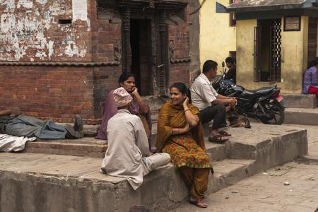 vida social: KATHMANDU, NEPAL – CIRCA OCTOBER 2013: social life on the streets of Kathmandu circa October 2013 in Kathmandu. Editorial