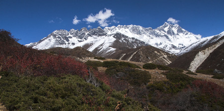 sherpa: SOMARE, NEPAL: view of the Himalayas (Lhotse on the right) from Somare circa October 2013 in Somare Stock Photo