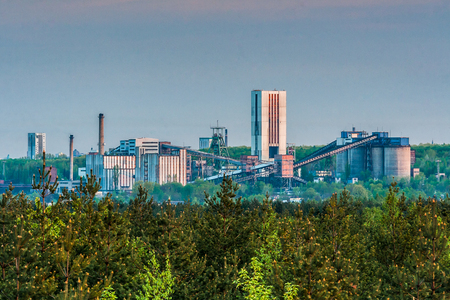 Industrial face of the Halemba coal mine Standard-Bild - 100303110