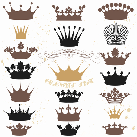 A collection of vector crowns silhouettes in vintage style. Ideal for heraldic, labels, menu, royal logos and other projects Vettoriali
