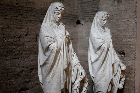 st peter s square: Sculptures of nuns in Rome