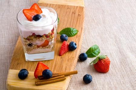yoghurt: fresh yoghurt with fruit and berry