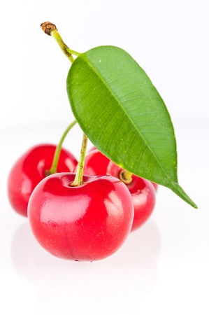 sour cherry: Sweet cherry isolated on white