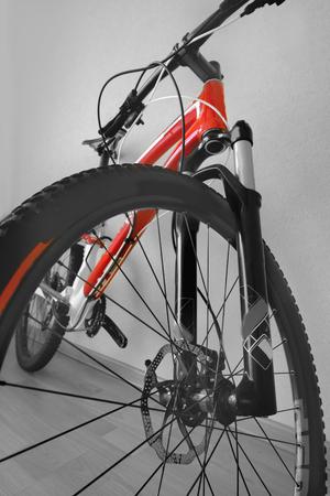 front wheel mountain bike handlebar, brake disc, front shock absorber, frame, cross country