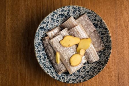 生の魚スライス生姜