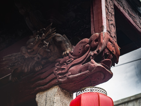Chaozhou ancient dragon carving eaves Stok Fotoğraf
