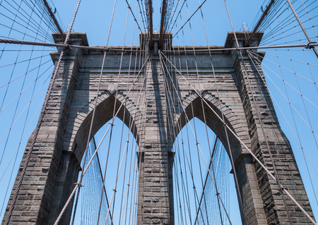 Brooklyn Bridge pylon close up Imagens