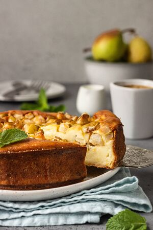 No crust healthy cheesecake with pear, mint and honey. Healthy breakfast.