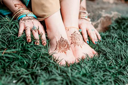 hindu: Indian hindu bride with mehendi heena on feet.