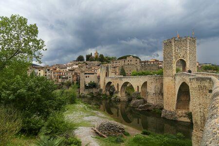 Medieval fortificate town Besalu, Catalonia. Spain Editöryel