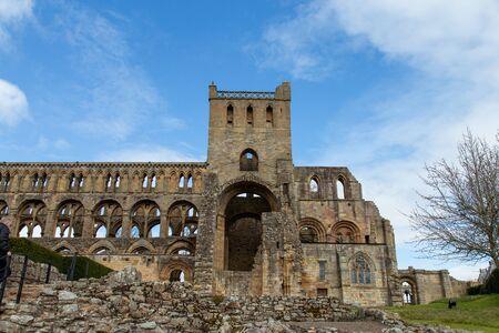 Ruinen der Jedburgh Abbey (12. Jahrhundert) An den schottischen Grenzen Standard-Bild