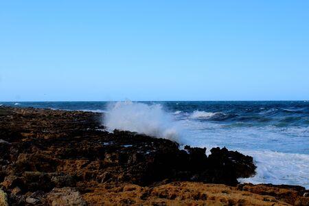 evocative imagine of rough sea in Sicily 版權商用圖片