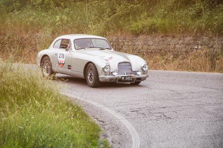 miles: ASTON MARTIN DB 2 Vantage 1953