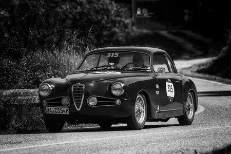 PESARO COLLE SAN BARTOLO , ITALY - MAY 17 - 2018 : ALFA ROMEO 1900 C SPRINT TOURING 1954 on an old racing car in rally Mille Miglia 2018 the famous italian historical race (1927-1957) Editoriali