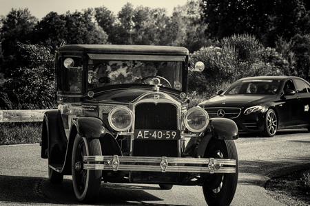 PESARO COLLE SAN BARTOLO , ITALY - MAY 17 - 2018 : BUICK MASTER SIX COUPE 1928 on an old racing car in rally Mille Miglia 2018 the famous italian historical race (1927-1957) Editoriali